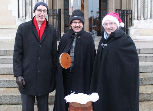 Black Santa back on Cathedral steps