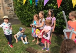 Stranmillis Parish buries time capsule
