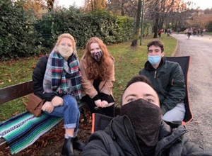 Due to the pandemic students split into groups of four around the local park in Bologna, and chatted about the topic of hope – an example of the work Chloé is involved in within Covid-19 restrictions.